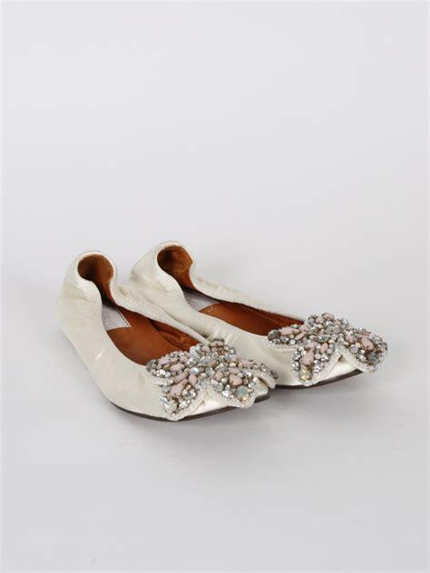 Satin Schuhe Creme by Lanvin Embellished Flower Satin Ballerinas 38