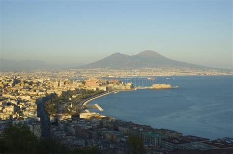 con vista napoli vista di napoli italia immagine stock immagine di