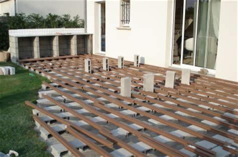 Construire Une Terrasse En Bois Composite by Terrasse En Bois Composite Avis