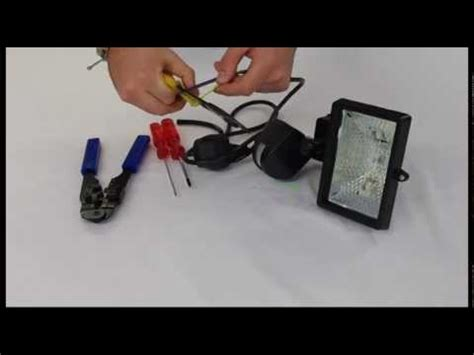 how to wire a floodlight