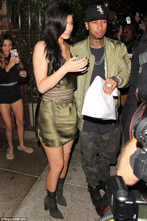 bench warrant for unpaid fines kylie jenner s boyfriend tyga fails to show up in court as