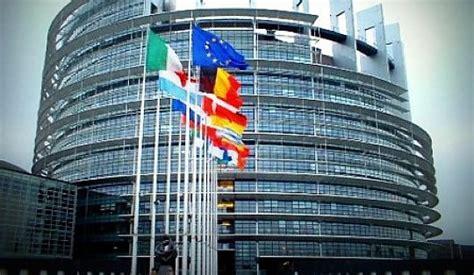 strasburgo sede parlamento europeo il parlamento ue costa 3 58 a cittadino ma la tripla