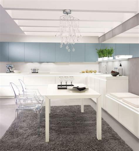 U Küche Mit Elektrogeräten by Kuche Mit Insel Weis Matt Grifflos Alno Matt