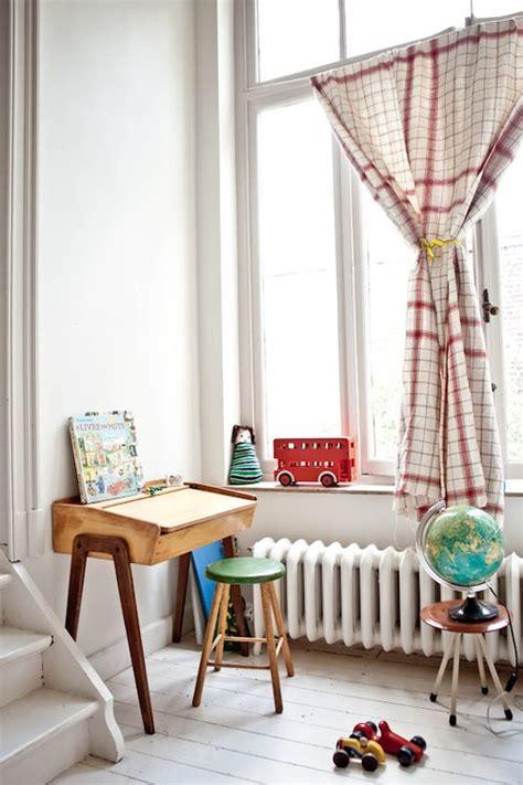 chambre vintage enfant bureau ecolier vintage deco chambre enfant 3 picslovin