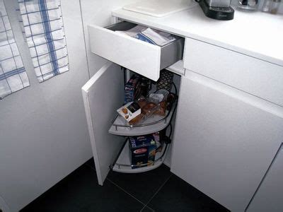 am駭agement meuble d angle cuisine une cuisine pratique de moins de 4m2 c est