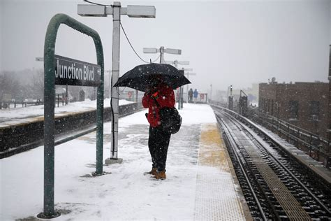 2015 new york blizzard will the subway shut down blizzard 2015 prompts nyc