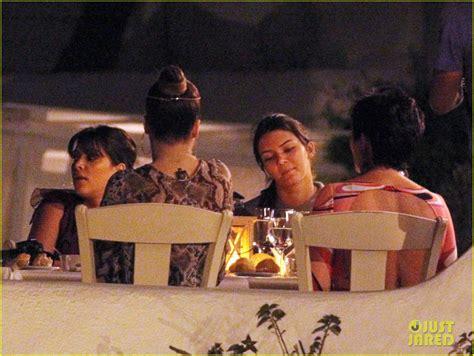 family boat ride nyc pregnant kim kardashian family boat ride in greece photo