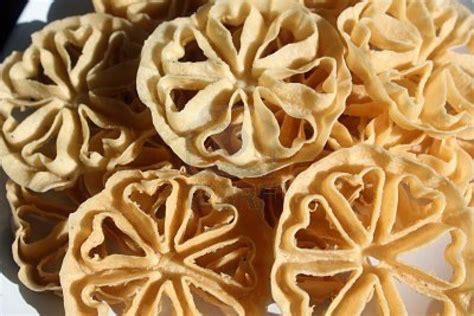 Cetakan Kembang Goyang Bunga 65cm resep kue kering kembang goyang renyah enak resepbuntik