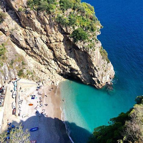 costa praiano le migliori spiagge della costiera amalfitana