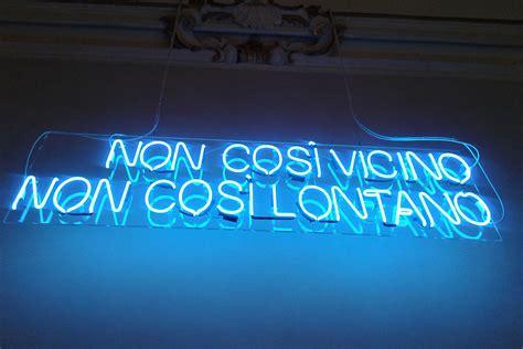 scritte illuminate gl neon soffieria vetro e insegne luminose al neon a bologna