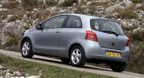 Toyota Yaris 4 Door by Toyota Yaris 3 Door Hatchback 2005 2009 Reviews