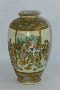 antique japanese vases