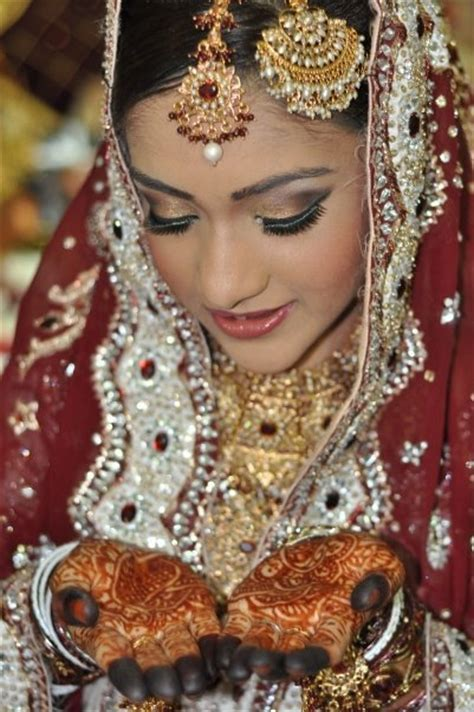 5 Worst Makeup Mistakes on Your Wedding: Indian Bridal Diaries