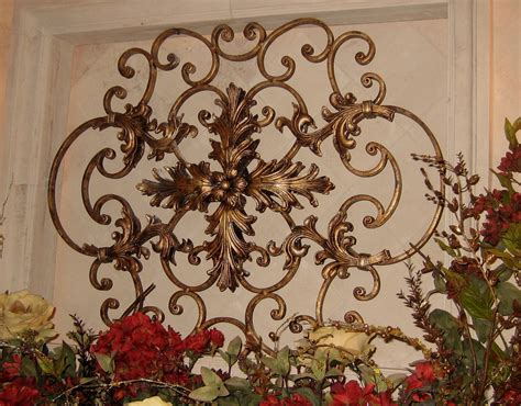 stupefying wrought iron wall decor decorating ideas - Traditional Wall Decor