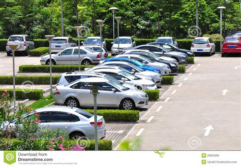 Auto Frei Weite by Autos Im Parkplatz Stockfoto Bild 20853590