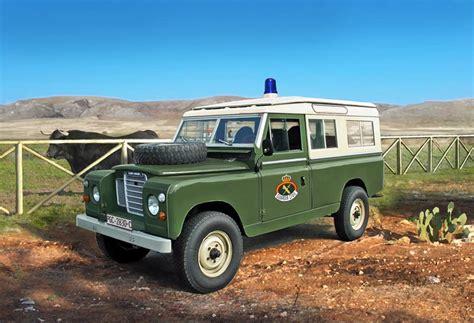 land rover italeri land rover 109 guardia civil 183 italeri 183 6542 183 1 35