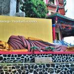 Patung Buddha Berdiri Membawa Teratai Kuningan Besar wisata disini aja pagoda buddhagaya watugong