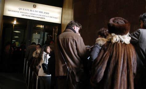 quanto tempo ci vuole per rinnovare il permesso di soggiorno uffici passaporti nuovi orari quando rinnovare i