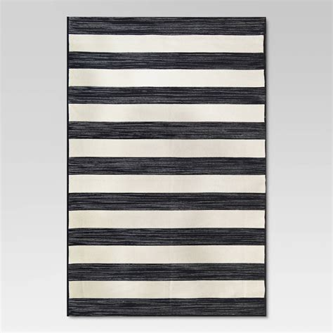 10 Fabulous Black White Outdoor Finds At Target The Black And White Stripe Outdoor Rug