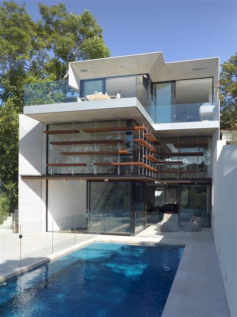 house design  sloped land highlights  benefits