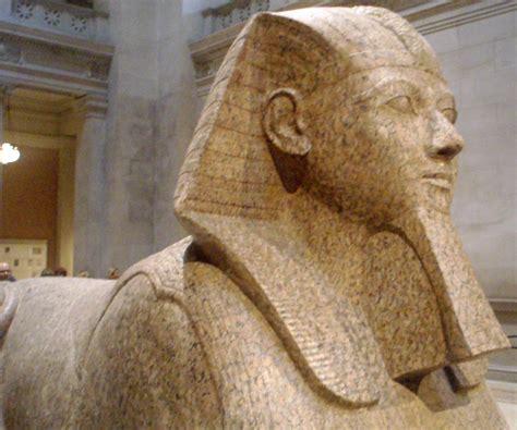 imagenes egipcias antiguas file hatshepsut collosalgranitesphinx03 metropolitanmuseum