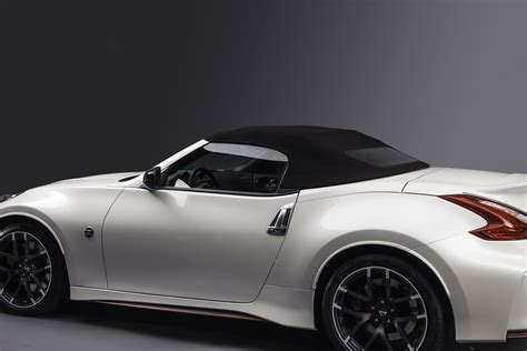 nissan roadster nissan 370z nismo roadster concept makes its debut in chicago