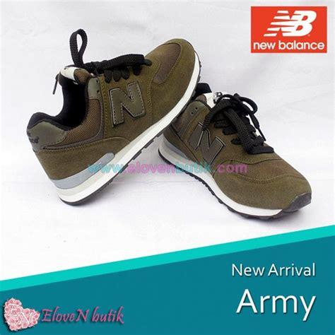 Foto Dan Sepatu New Balance Original sepatu new balance elovenbutik jual crocs murah original