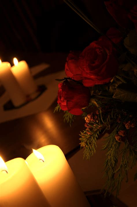 candele rosse candles and roses photo page everystockphoto