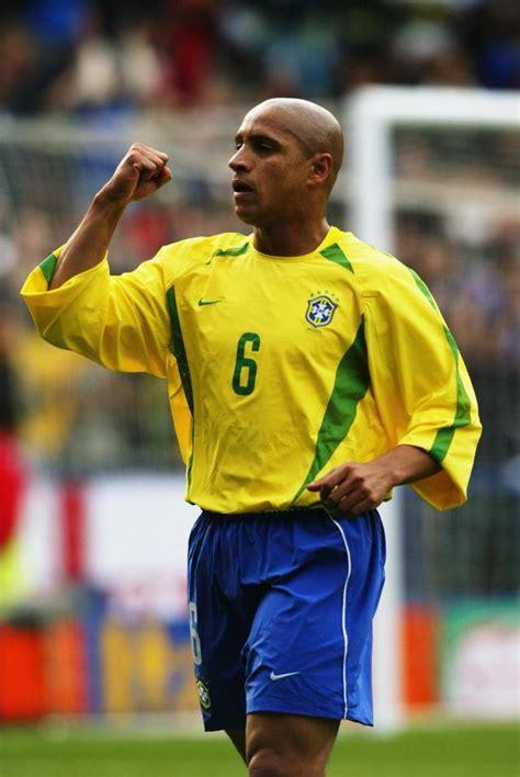 Soccerwe Brazil 2002 Roberto Carlos Roberto Carlos Slams Roy Hodgson S Football Knowledge And