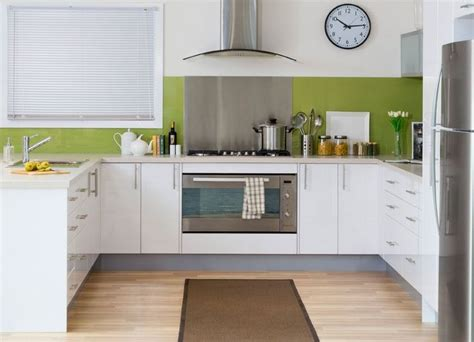 Kitchen Kaboodle Cooker Kaboodle Gloss White Thermoformed Doors In A Modern