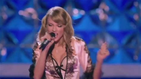 taylor swift style live victoria s secret victoria s secret fashion show 2015 taylor swift style