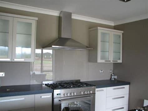 caesarstone splashback cooktop kitchen glass colors поиск в kitchen design