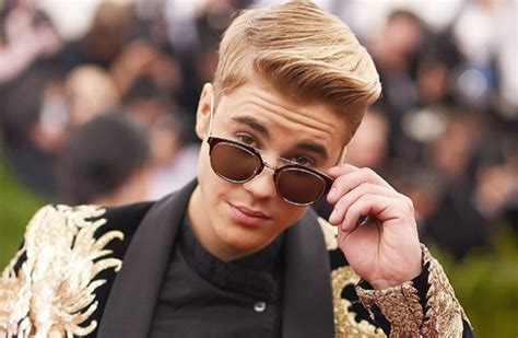 Biography On Justin Bieber Facts | justin bieber celebrity facts