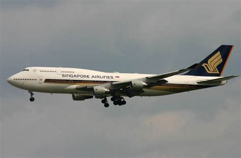Malaysia Airlines One World Airbus A330 Passenger Airplane Metal Dieca boeing 747 jumbo jet singapore airlines widebody