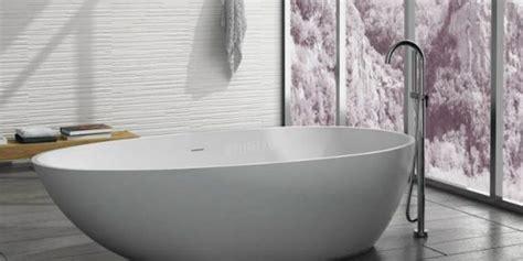 badewanne höhe badewannen design ablage