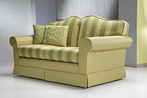 divani classici in offerta divano classico frascati 2 posti divani santambrogio