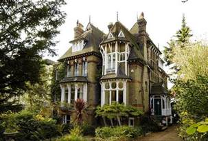 Victorian Mansions by This Victorian House Has A Spaceship In The Attic Technabob