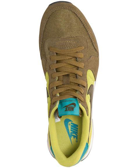 Sepatu Nike Lunarlon Lunarepic Low Green Casual Running Sepatu Pria lyst nike s internationalist casual sneakers from