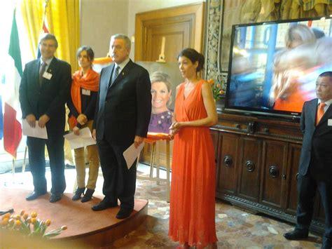 consolato olandese in italia olanda successione al trono cerimonia di incoronazione