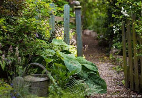 geländer maße idee bauerngarten zaun