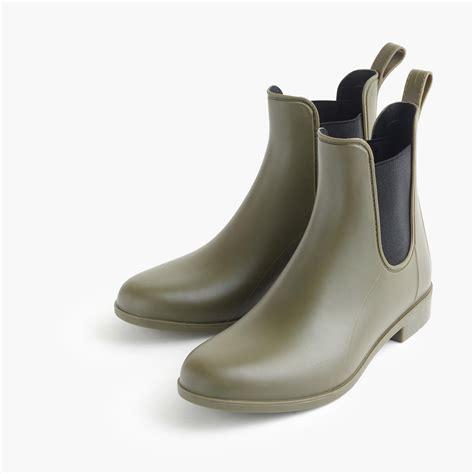 boat shoes in rain best 25 chelsea rain boots ideas on pinterest hunter
