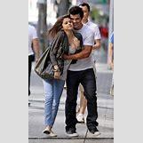 Selena Gomez And Taylor Lautner Kissing   189 x 320 jpeg 23kB