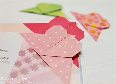 Paper Bookmarks To Make - corner bookmark origami tutorial origami ideas