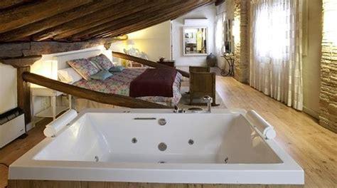 hoteles con jacuzzi en la habitacion en valencia hoteles con jacuzzi en la habitaci 243 n en navarra baratos