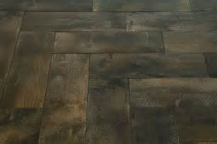 porcelain tile to look like reclaimed wood and
