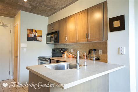 breakfast bar with sink tour of 255 richmond east toronto ontario