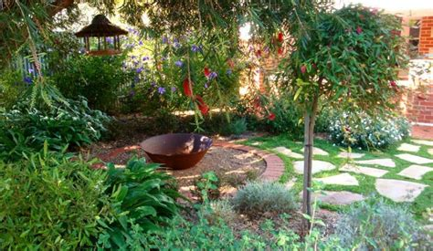 the 5 best landscaping ideas for small backyards jim s