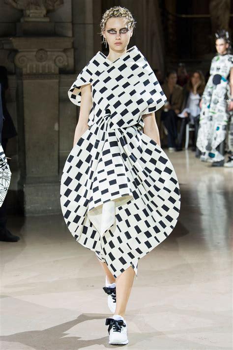 It Fashion fashion week from glam and glitz to avant garde