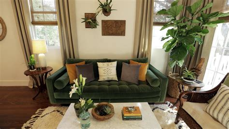 new orleans style living room hgtv s small house big easy stylish new orleans living in 1000 square or less hgtv s