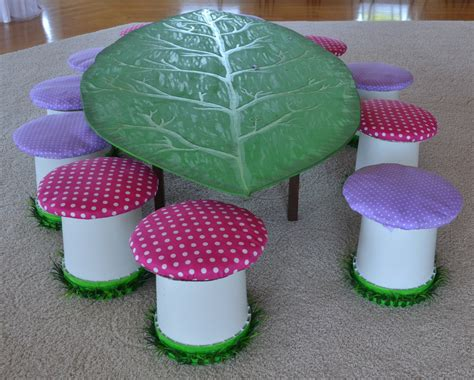 toadstool table and chairs leaf table and toadstool chairs by craftpocalypse on